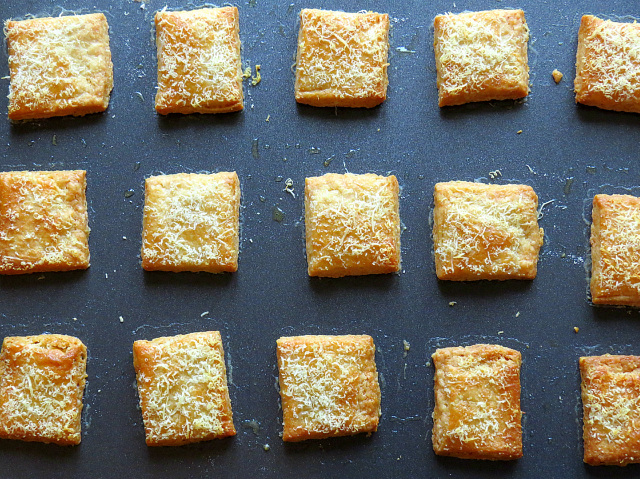 parmesan-biscuits