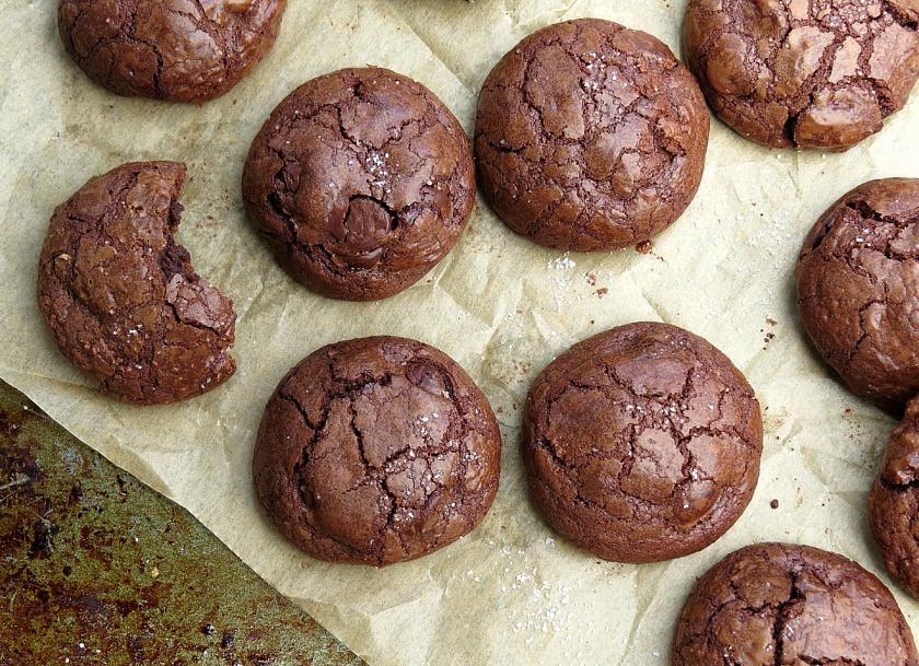 Truffle cookies close