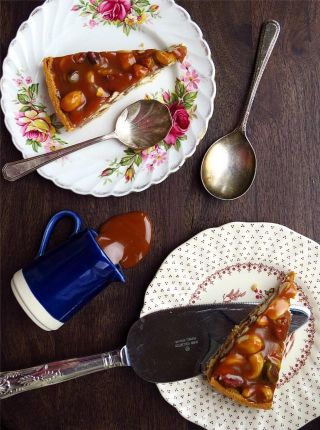 Cut nut tart